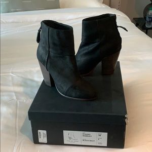 Rag and bone classic newbury black waxy size 38/8